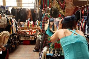 brick lane market.tigro yurtdisi egitim danismanlik